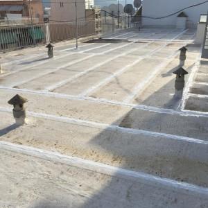Επιδιορθώσεις σε παλαιά μόνωση ταράτσας πολυκατοικίας – Χαλκίδα